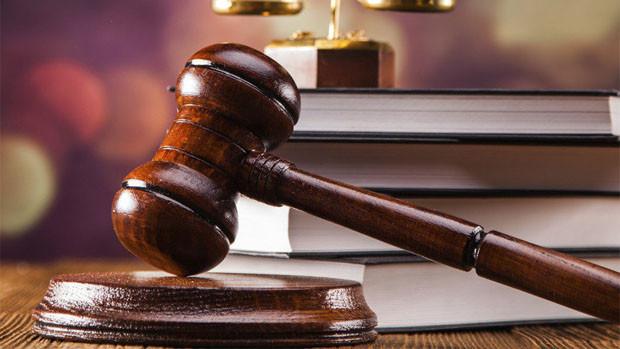 Envían a la cárcel a un teniente y una médico acusados por el caso Anapol