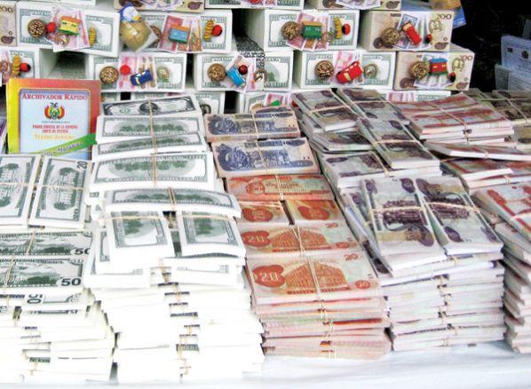 Prohíben venta de billetes de Alasita iguales a los originales en Bolivia