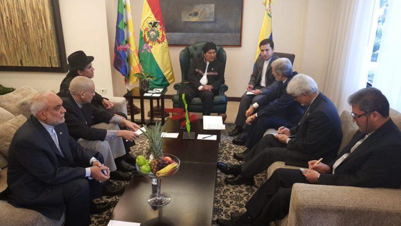 Evo inicia su agenda en Venezuela con una reunión bilateral con el Ministro de Defensa de Irán