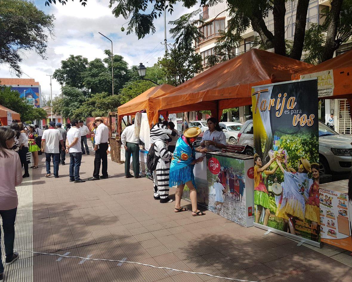 Tarija celebra el Día Nacional de Turismo con una feria en la Plazuela Sucre