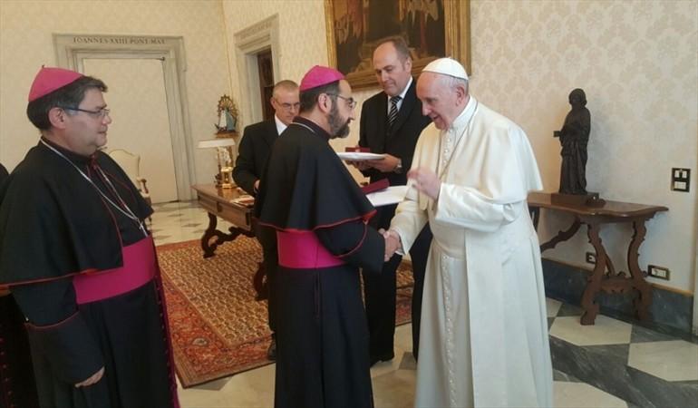 El papa Francisco recibió a los obispos chilenos para discutir los avances contra los abusos