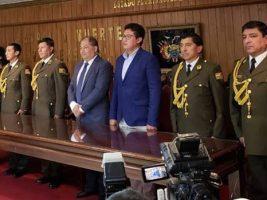 Cinco policías reciben grado de general