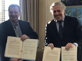 OEA será observadora en Primarias: Gonzales y Almagro firmaron acuerdo