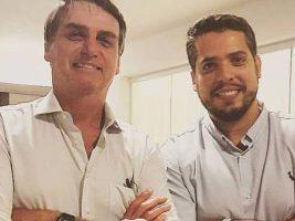 Presidente junto a diputado de Brasil