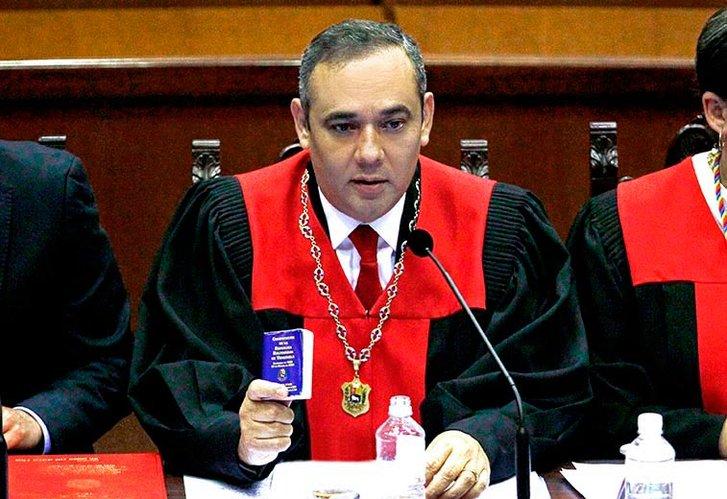 La Corte Suprema chavista ordenó quitarle la inmunidad parlamentaria a Juan Guaidó