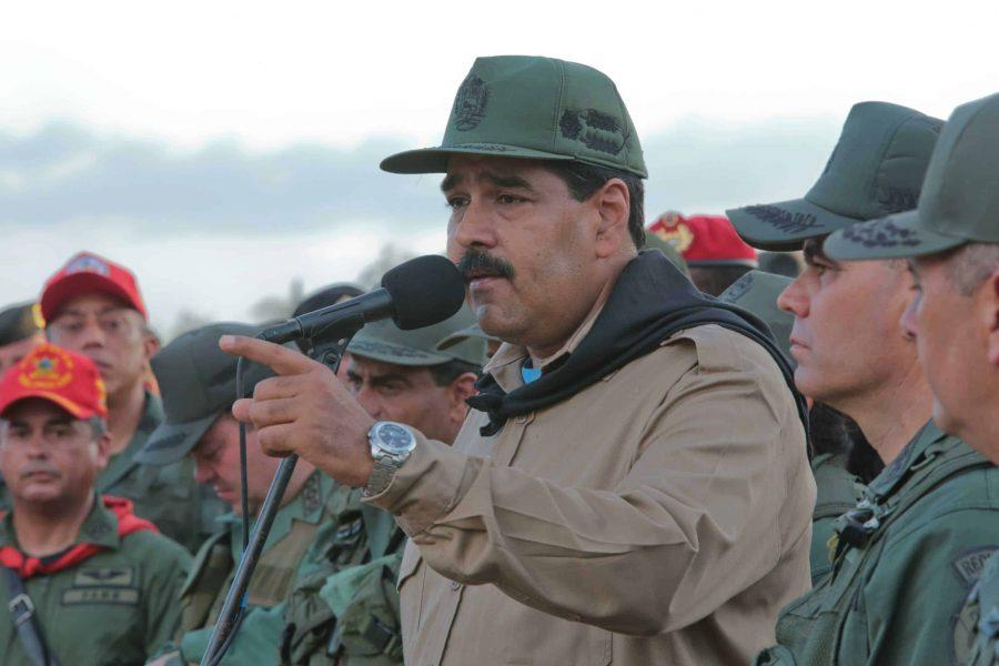 Nicolás Maduro degrada y expulsa a generales para tratar de detener la rebelión militar