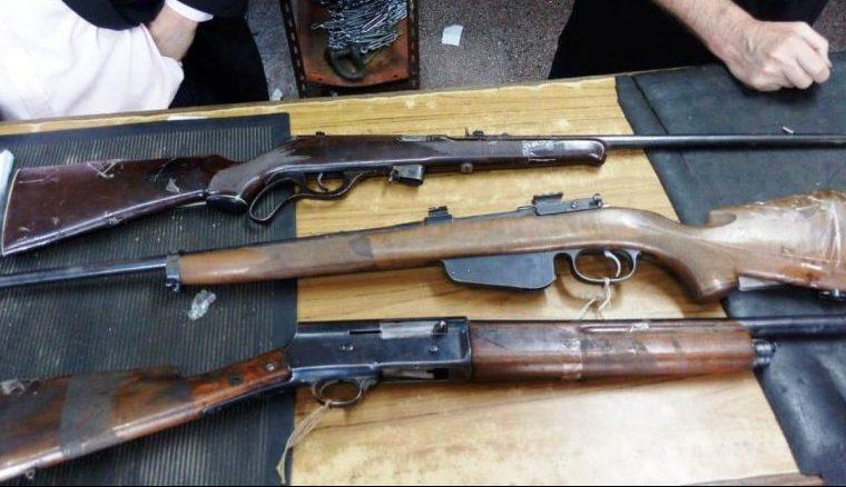 Policía captura a un hombre con seis armas de fuego en Yacuiba