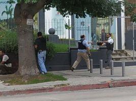 Toma de rehenes en Uruguay: un hombre se atrincheró con más de 10 personas en una peluquería