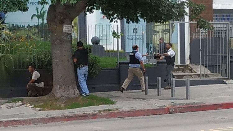 Un hombre se atrincheró con más de 10 personas en una peluquería de Montevideo por cuatro horas