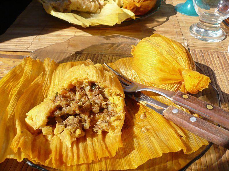 Tamales comida típica de Tarija