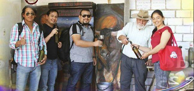El primer surtidor de vino en Tarija, uno de los atractivos más visitados este verano