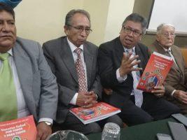 Luis Larrea y directiva nacional de medicos