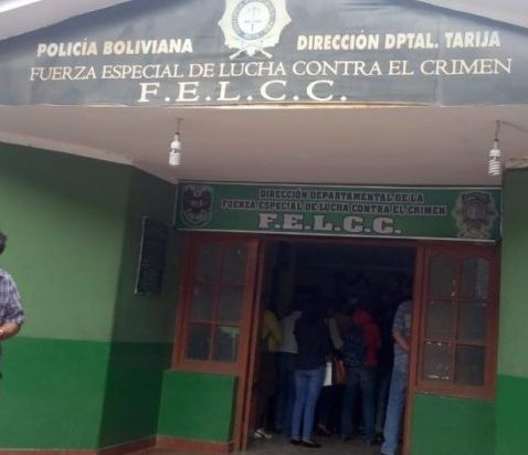 """Arrestan al """"Seco"""" y al """"Melón"""" por escapar de la Policía en Tarija"""