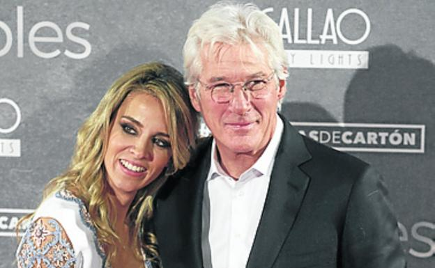 Richard Gere y Alejandra Silva ya son padres