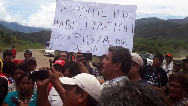 Tres municipios del norte paceño movilizados exigen habilitar pista de Teoponte