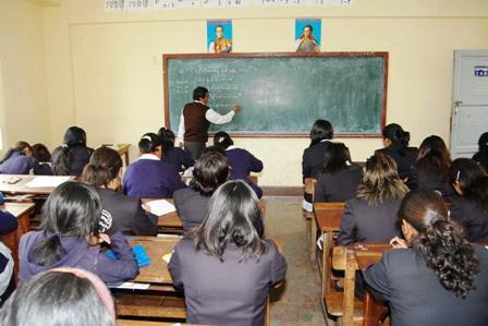 Dirección de Educación de Tarija encara reordenamiento de maestros por jubilación y migración