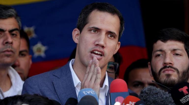 Juan Guaidó impulsa la idea del exilio para los chavistas: