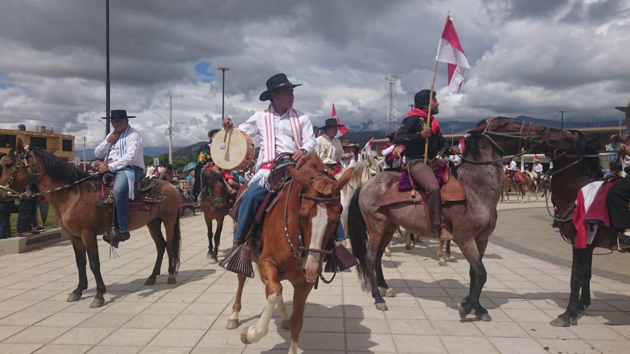 Chapacos, jinetes y músicos dan inicio al Carnaval Chapaco 2019 con un derroche de alegría
