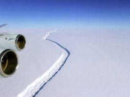 Un iceberg del doble de grande que Nueva York está a punto de desprenderse de la Antártida