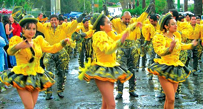 Corso de Corsos toma las calles de Cochabamba con más de 20.000 bailarines