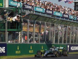 Mercedes se llevó el triunfo en Australia