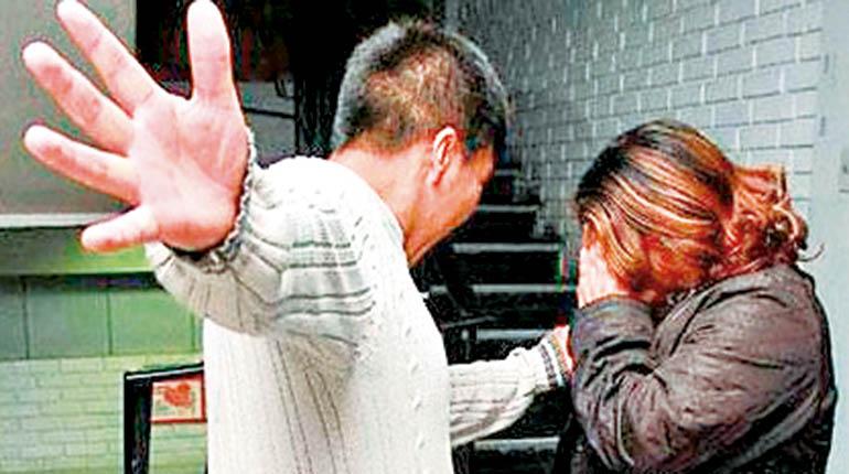 Hombre en estado de ebriedad golpeó a su esposa embarazada en Villa Montes