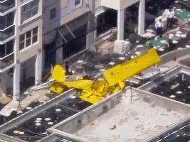 Se estrelló una avioneta contra un edificio en Fort Lauderdale, Florida: el piloto murió