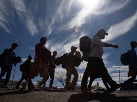 Caravana migrante engrosó sus filas en el sur de México rumbo a EEUU