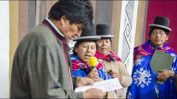 Evo felicita a la mujer boliviana y dice que se avanzó mucho en su inclusión en la vida política