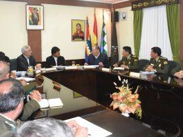 Evo junto al Vice y el Ministro de Gobierno en reunión con el alto mando Policial y Directores nacionales