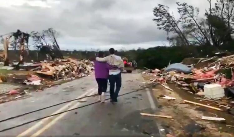Al menos 14 muertos por tornados en Alabama