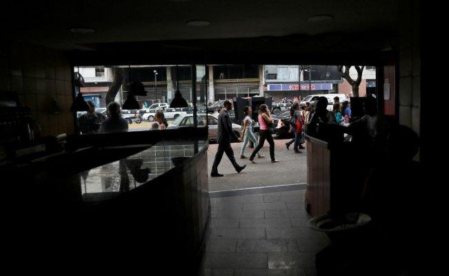 Venezuela sigue enfrentando las duras consecuencias del masivo apagón de hace un mes