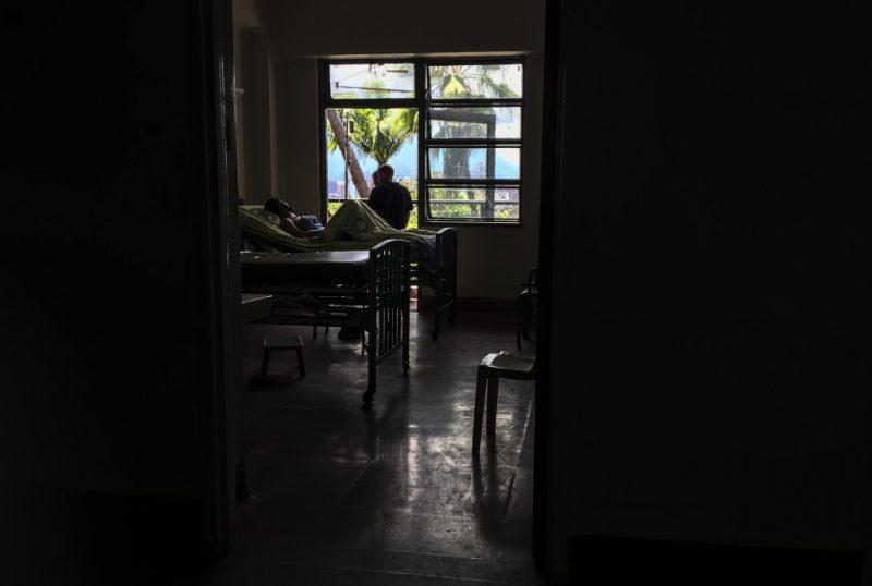 En el tercer día de apagón en Venezuela murieron 15 pacientes por falta de diálisis