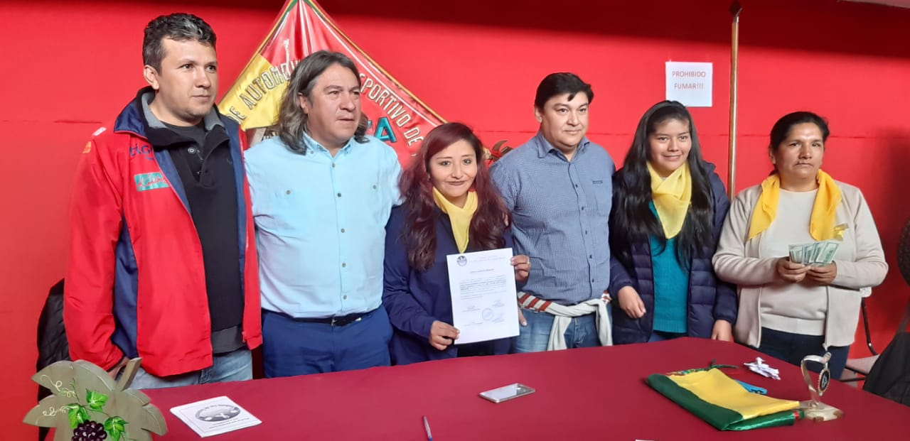 Federación de Automovilismo de Tarija apoya a los niños con cáncer y realiza importante donación