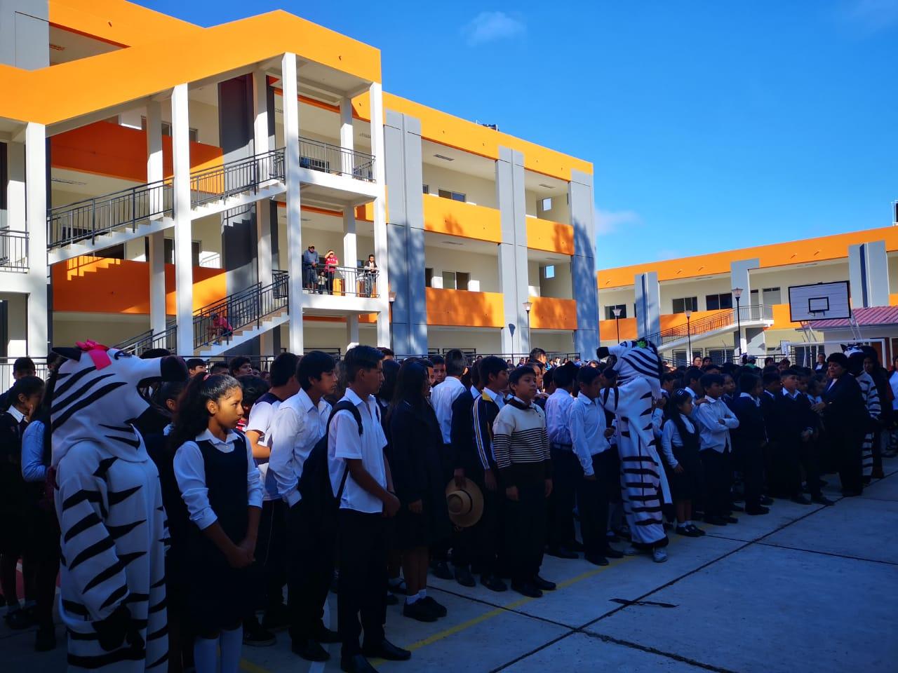 Colegio Carmen Mealla estrena nueva infraestructura en Tarija tras 68 años de servicio