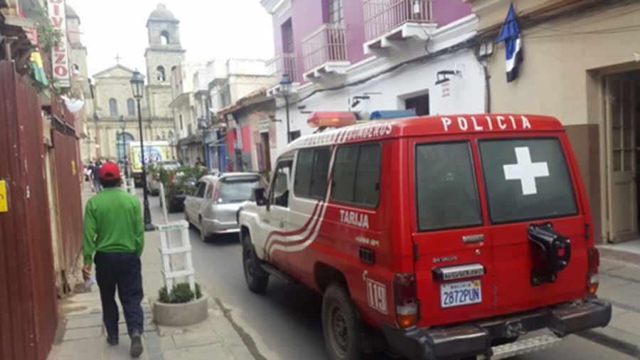 """""""Dale paso a la vida"""": la acción de dar paso a las patrullas, ambulancias y bomberos en Tarija"""