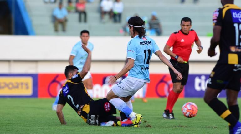 Aurora remonta el partido y logra vencer a The Strongest en Cochabamba
