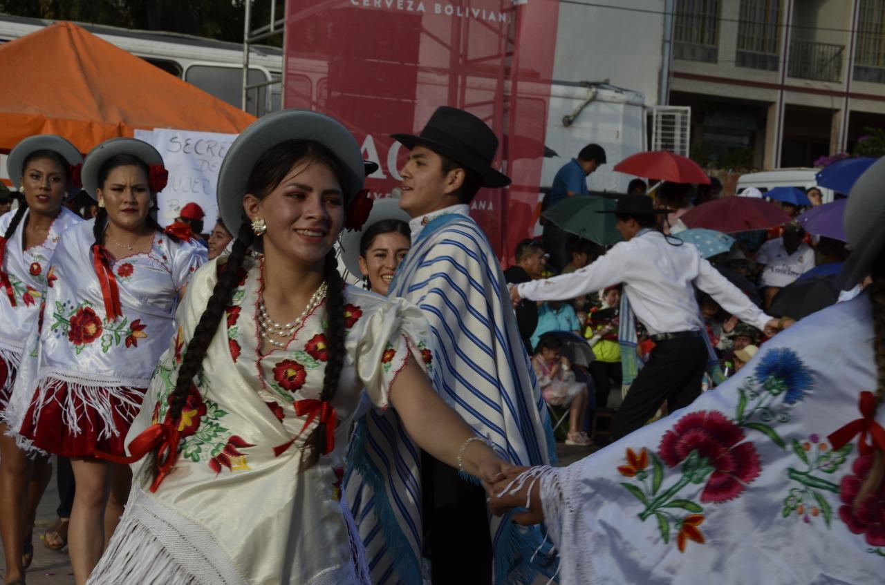 Bailarines del Corso Chapaco lamentan que juego de agua y espuma perjudique la tradición