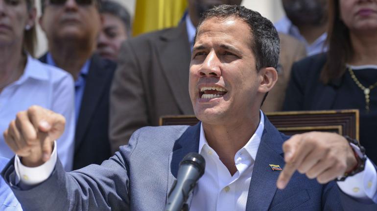 Guaidó anuncia que pedirá al Parlamento declarar
