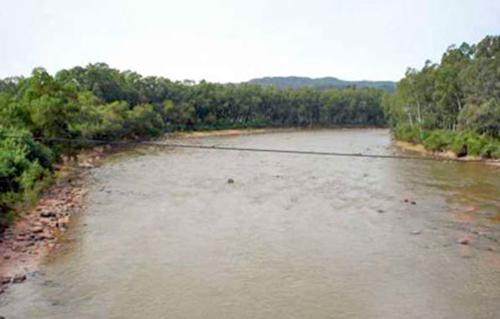 Rescatan a personas en riesgo de ser arrastradas por desborde del río Parapetí