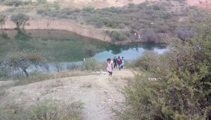 Bomberos busca a joven que se ahogó en la represa de Santa Barbará de Tarija