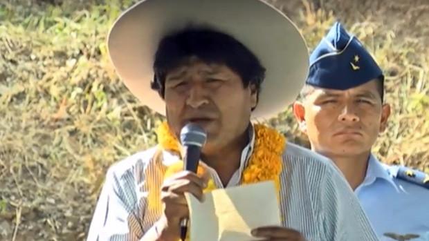 """En Tarija Evo dice: """"Ahora los chicos vienen de Chile a pasar clases al lado boliviano"""""""