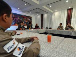 Evo reconoce esfuerzo de jóvenes que irán a la NASA representando a Bolivia