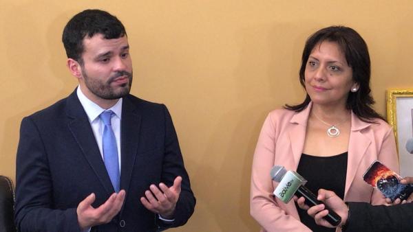 Ministro Canelas señala que empresa Neurona tuvo contratos por Bs 12 MM