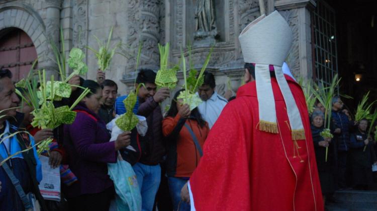 Inicia la Semana Santa y obispo pide abandonar las verdades a medias y la descalificación