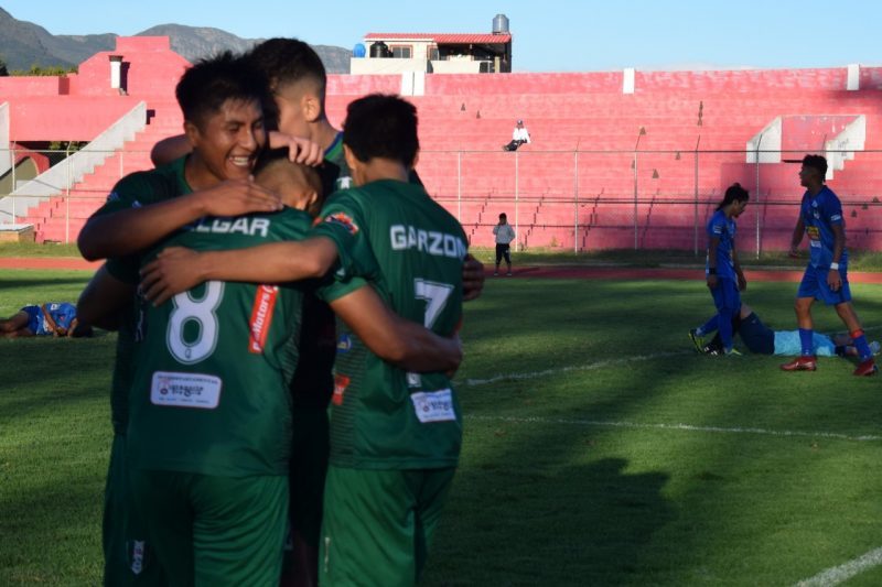 El club Deportivo Real Tomayapo sigue invicto en el torneo de la ATF