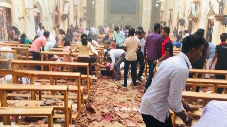 Más de 200 muertos y casi 500 heridos tras varias explosiones en iglesias y hoteles en Sri Lanka