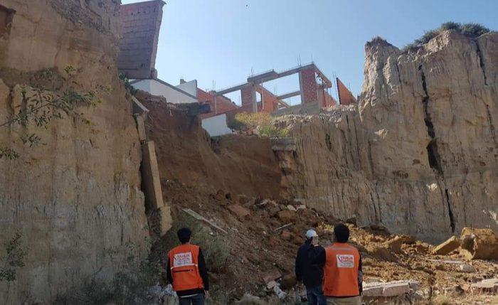 Deslizamiento provoca daños en una vivienda del barrio Aeropuerto de Tarija
