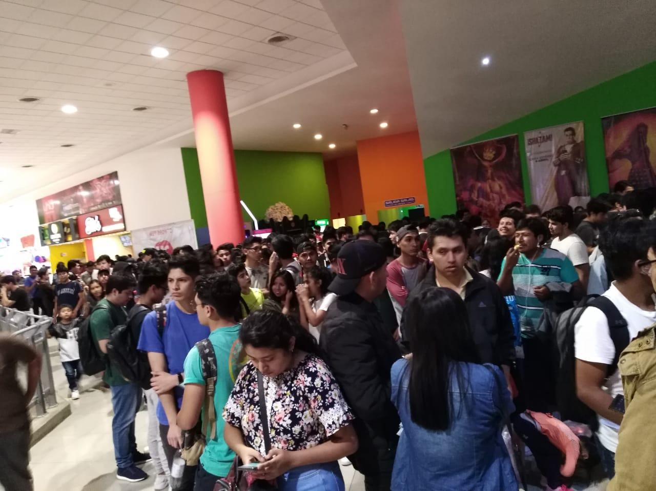 Cientos de fans abarrotan el Cine Center de Tarija por el estreno deAvengers Endgame