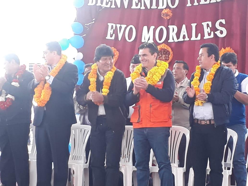 Evo y Rodrigo entregan la nueva unidad educativa San Antonio en Tarija